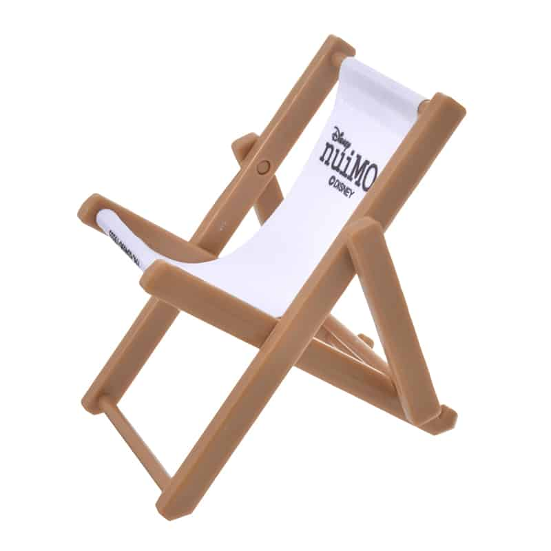 nuimos-white-black-logo-chair-01