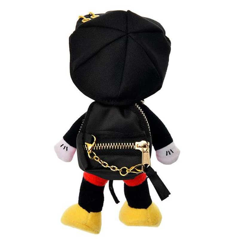 nuimos-hat-backpack-gold-chain-04