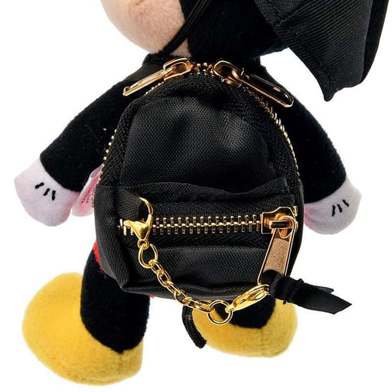 nuimos-hat-backpack-gold-chain-06